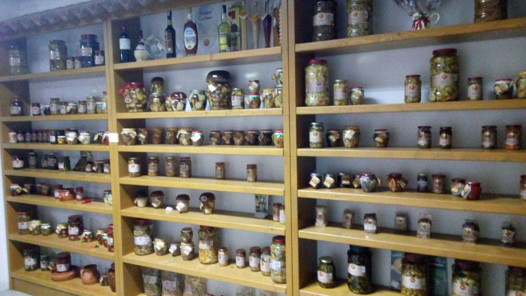 paddenstoelen en andere typisch Calabrese producten