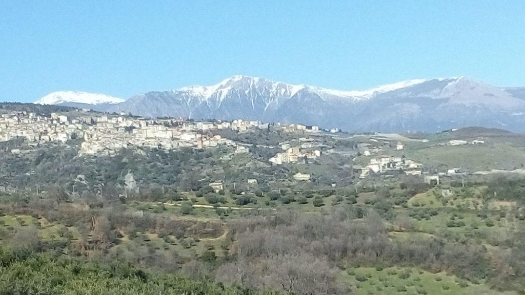Saracena en Monte Pollino gezien vanuit Antica Tenuta Ferrara